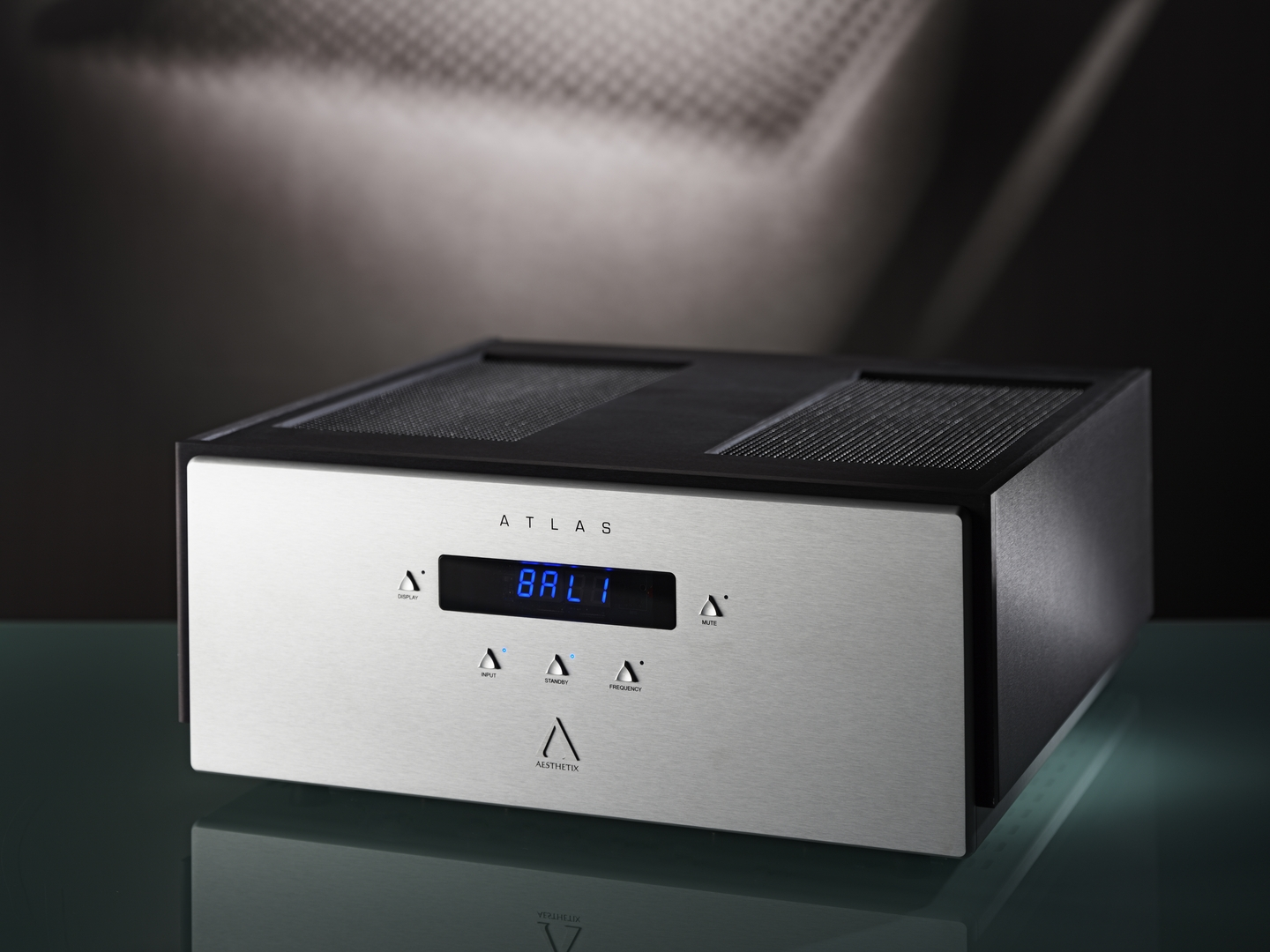 Aesthetix launches superlative  'Signature' edition of the acclaimed Atlas hybrid power amplifier