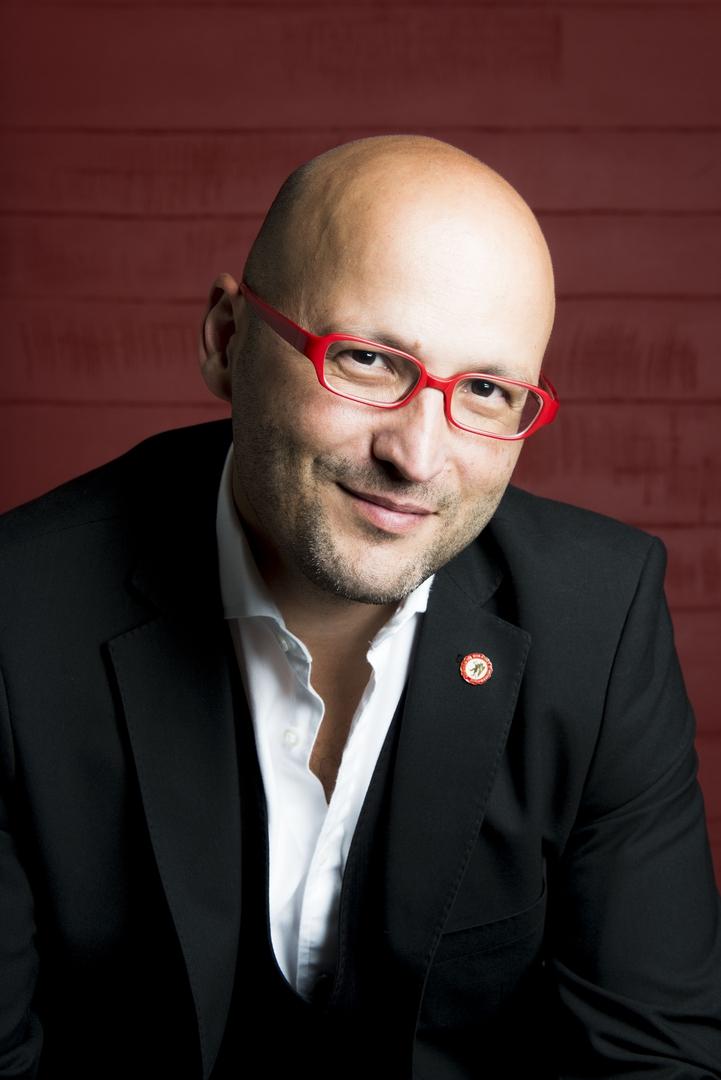 Portrait of a musician: Enrique Mazzola, conductor